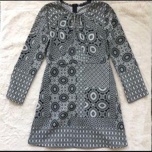Zara mod pattern keyhole dress